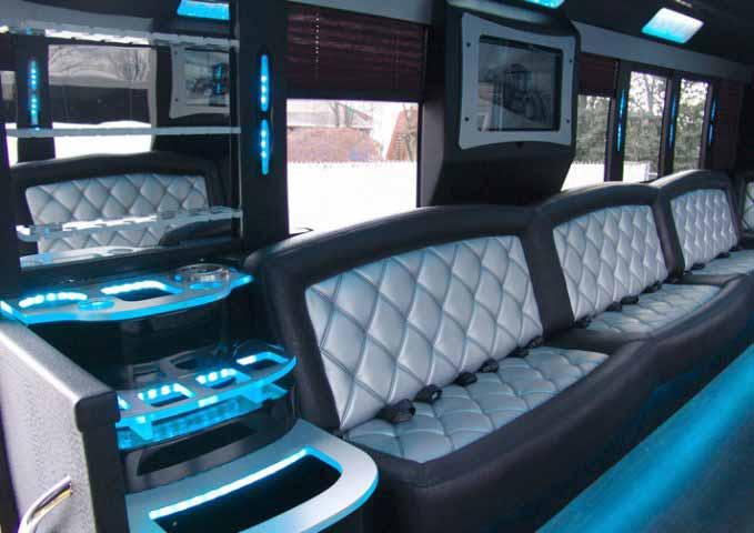 Fairfield Party Bus 28 Passenger